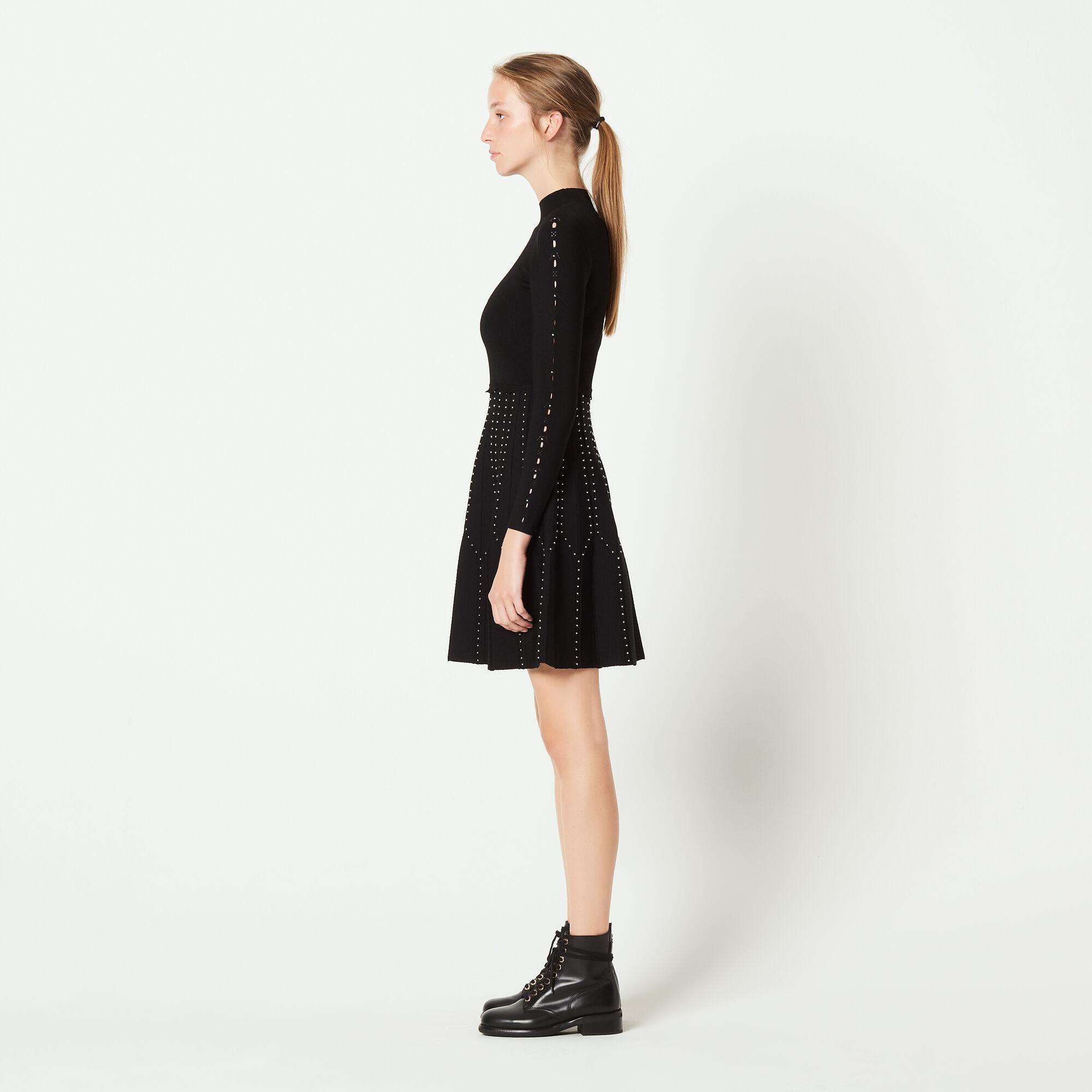 Vestido corto de cuello alto negro