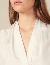 Camisa de seda con cuello en V : Tops & Camisas color Crudo